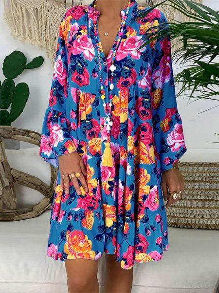ჭრელი, ყვავილებიანი საზაფხულო კაბა