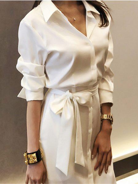 ზაფხულის თეთრი მაღალი ხარისხის კაბა